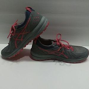 Asics Trail Runner 1012a498 Sz. 8